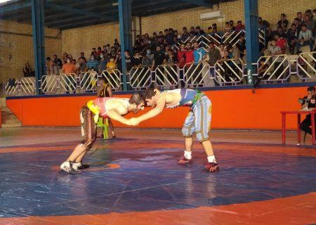 مسابقات کشتی پهلوانی بزرگسالان خوزستان در گتوند برگزار شد