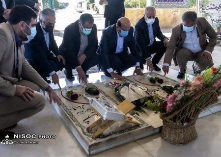 ادای احترام مدیرعامل شرکت ملی نفت ایران به مقام شامخ شهدا