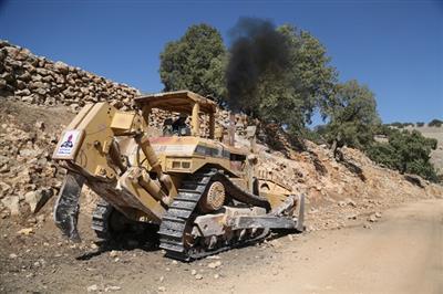 سری جدید ماشین آلات شرکت نفت و گاز مسجدسلیمان به منطقه زلزله زده اندیکا اعزام شد